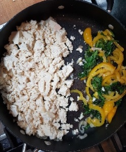 Tofu and veg in the pan
